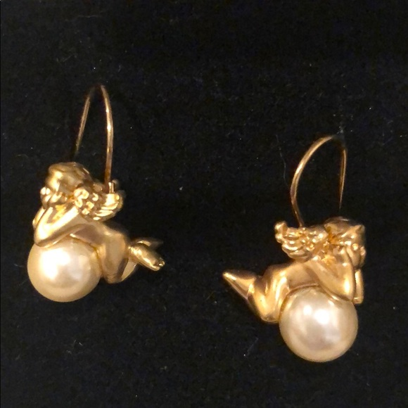 Avon Jewelry - Vintage cherub pearl earrings
